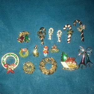 Jewelry - Grandma's Christmas Vintage Brooch collection